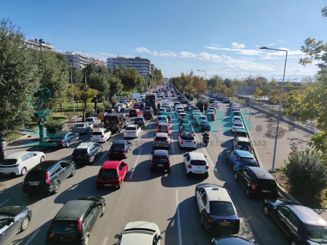 Θεσσαλονίκη: Μεγάλο μποτιλιάρισμα στη Λεωφόρο Μεγάλου Αλεξάνδρου ( VIDEO+ΦΩΤΟ)