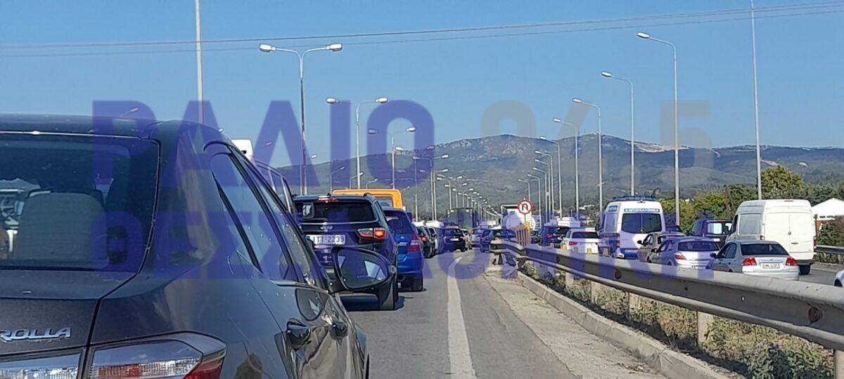 ΣΥΜΒΑΙΝΕΙ ΤΩΡΑ: Κυκλοφοριακό κουμφούζιο στην Περιφερειακή Οδό Θεσσαλονίκης