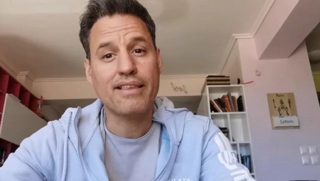 Γρ. Πετράκος: Τι απαντά στον Περρή για το μαγαζί που εμφανίζεται;