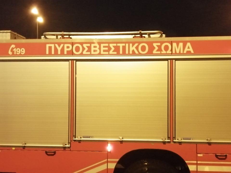 Θεσσαλονίκη: Φωτιά σε όχημα στην Μητροπόλεως