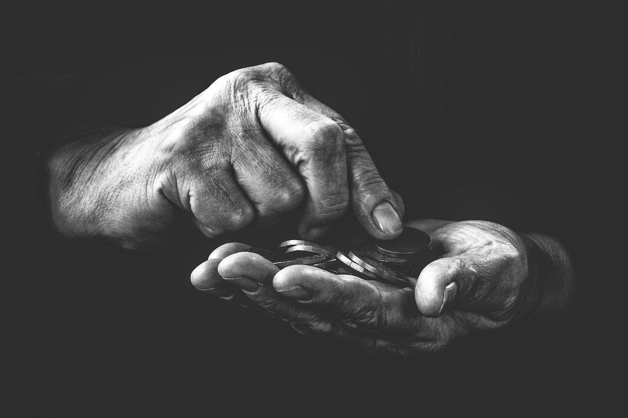 17 Οκτωβρίου: Ποιοι γιορτάζουν σήμερα – Διεθνής Ημέρα για την Εξάλειψη της Φτώχειας