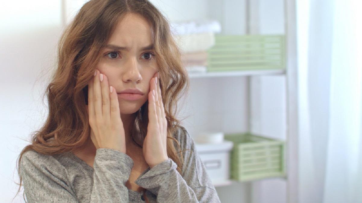 """Πώς οι """"δύσκολες μέρες"""" επηρεάζουν το δέρμα σου;"""