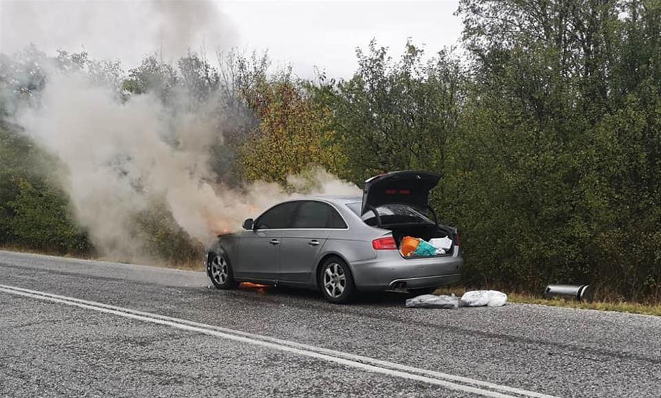 """Π. Ψωμιάδης: Στις φλόγες το αυτοκίνητό του- """"Προλάβαμε και βγήκαμε""""(ΦΩΤΟ)"""