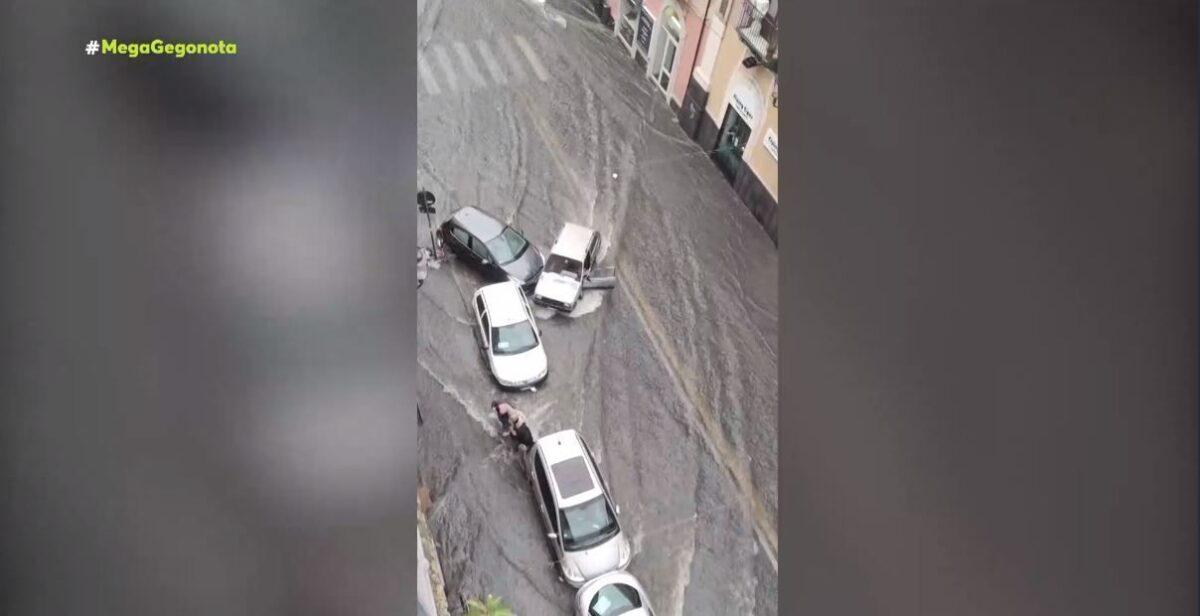 Καταστροφικές πλημμύρες σαρώνουν τη Σικελία (video)