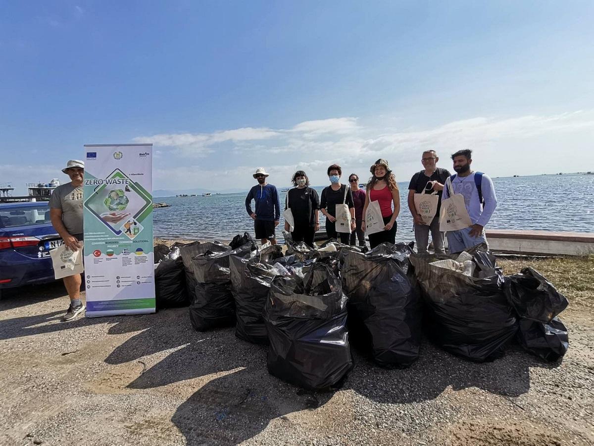 Δέλτα Αξιού: Εθελοντές της ΑΝΤΙΓΟΝΗΣ συγκέντρωσαν 1.450 λίτρα σκουπιδιών (ΦΩΤΟ)