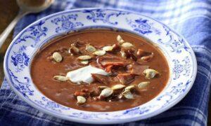 Σούπα κολοκύθας με κόκκινα φασόλια από τον Άκη Πετρετζίκη
