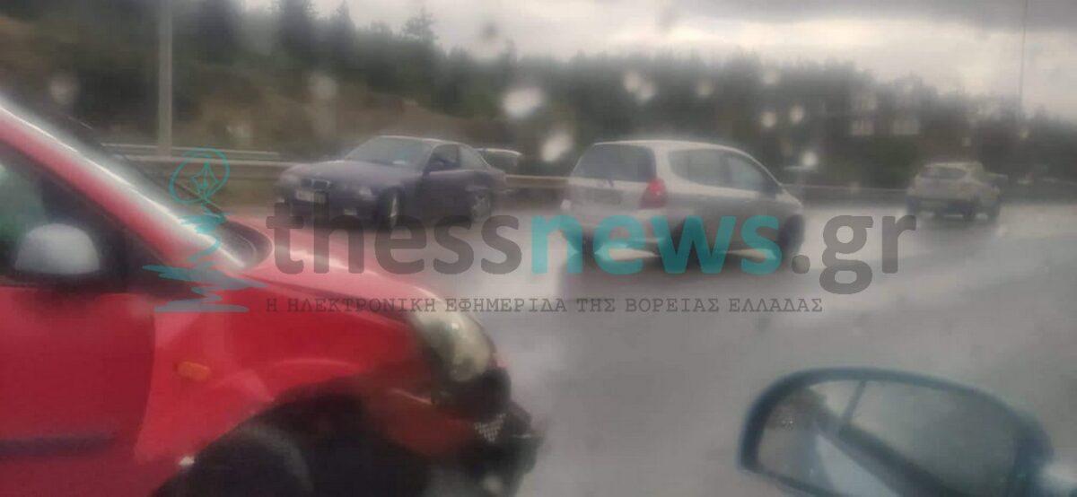 Μπαράζ τροχαίων ατυχημάτων στην Περιφερειακή Θεσσαλονίκης- Μεγάλο μποτιλιάρισμα