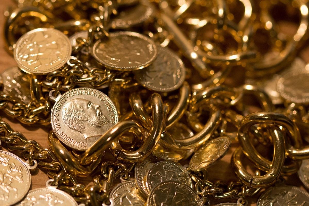 Λήστεψαν 200.000 ευρώ από 86χρονη – Αφαίρεσαν κοσμήματα, λίρες και ομόλογα από διαμέρισμα στην Θεσσαλονίκη
